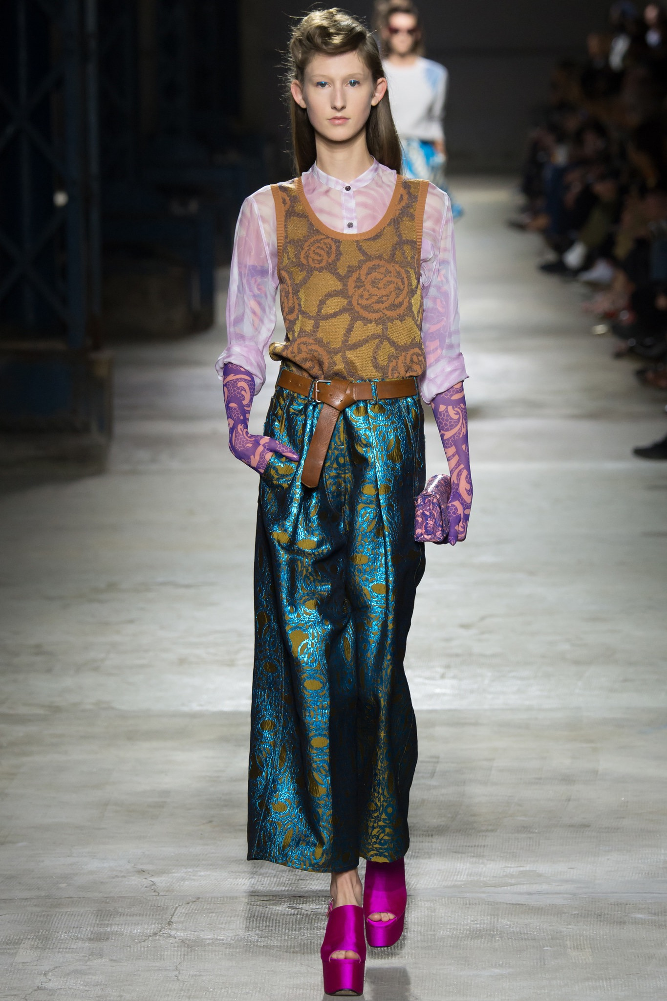 images/cast/20161000030000004=Summer 2016 COLOUR'S COMPANY fabrics x=Dries van Noten